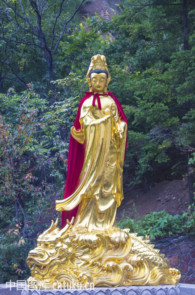 千山龙泉寺观音望天吼雕塑