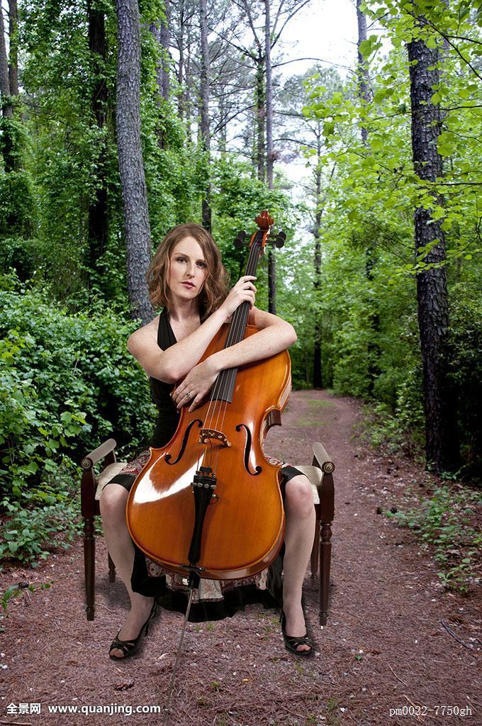 情色361_女人,大提琴手