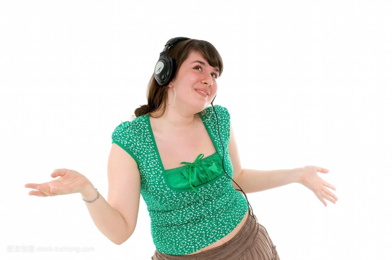 身体部位,听,长头发,女人,15岁到20岁,微笑,社会,小孩,耳机,幼儿,仅图片