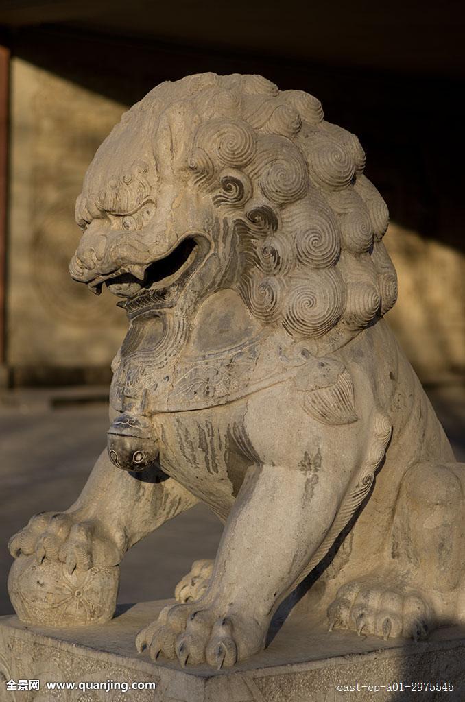 石狮子雕像图片