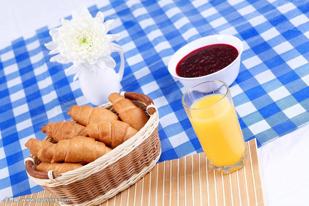 欧式早餐,牛角面包,橙汁图片