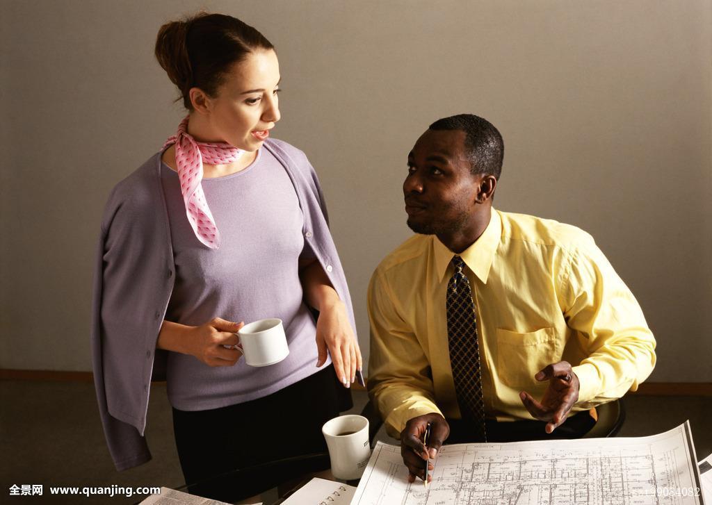 年轻,工作,商务人士,职业女性,职员,外国人,束发,同事,设施,办公室图片