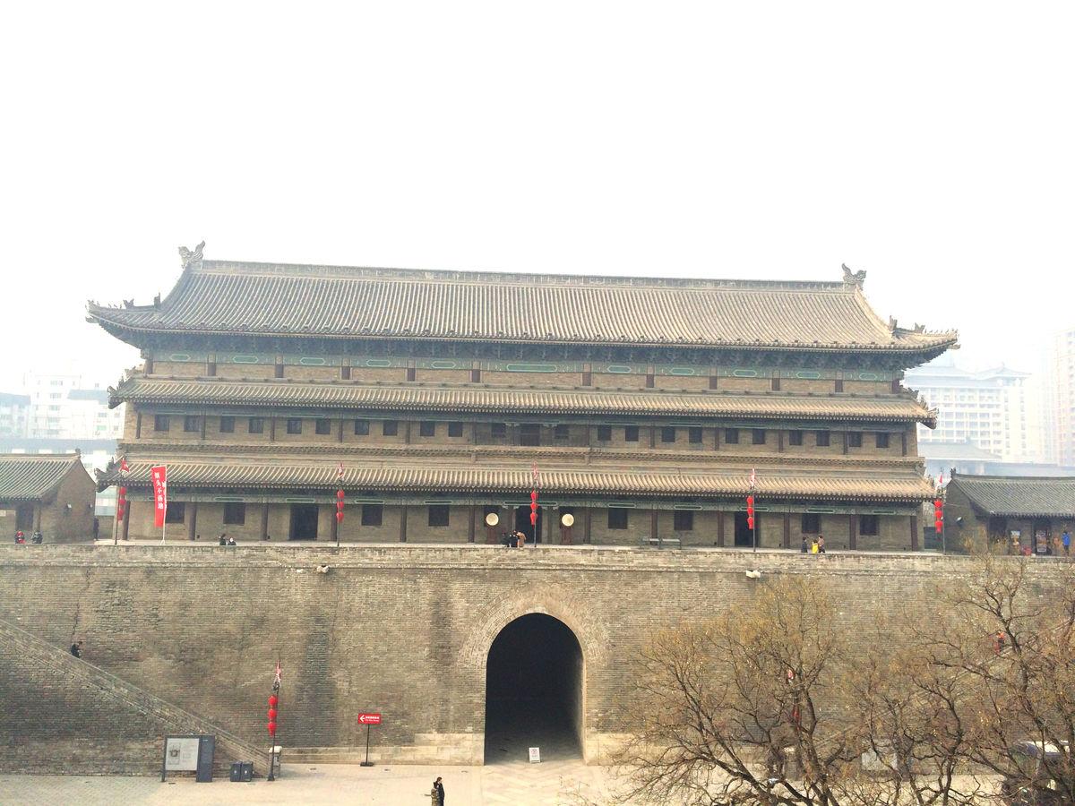 西安古城墙,西安,城门,古城,城墙,灰瓦,房檐,宫殿,古楼,城楼,古城墙图片