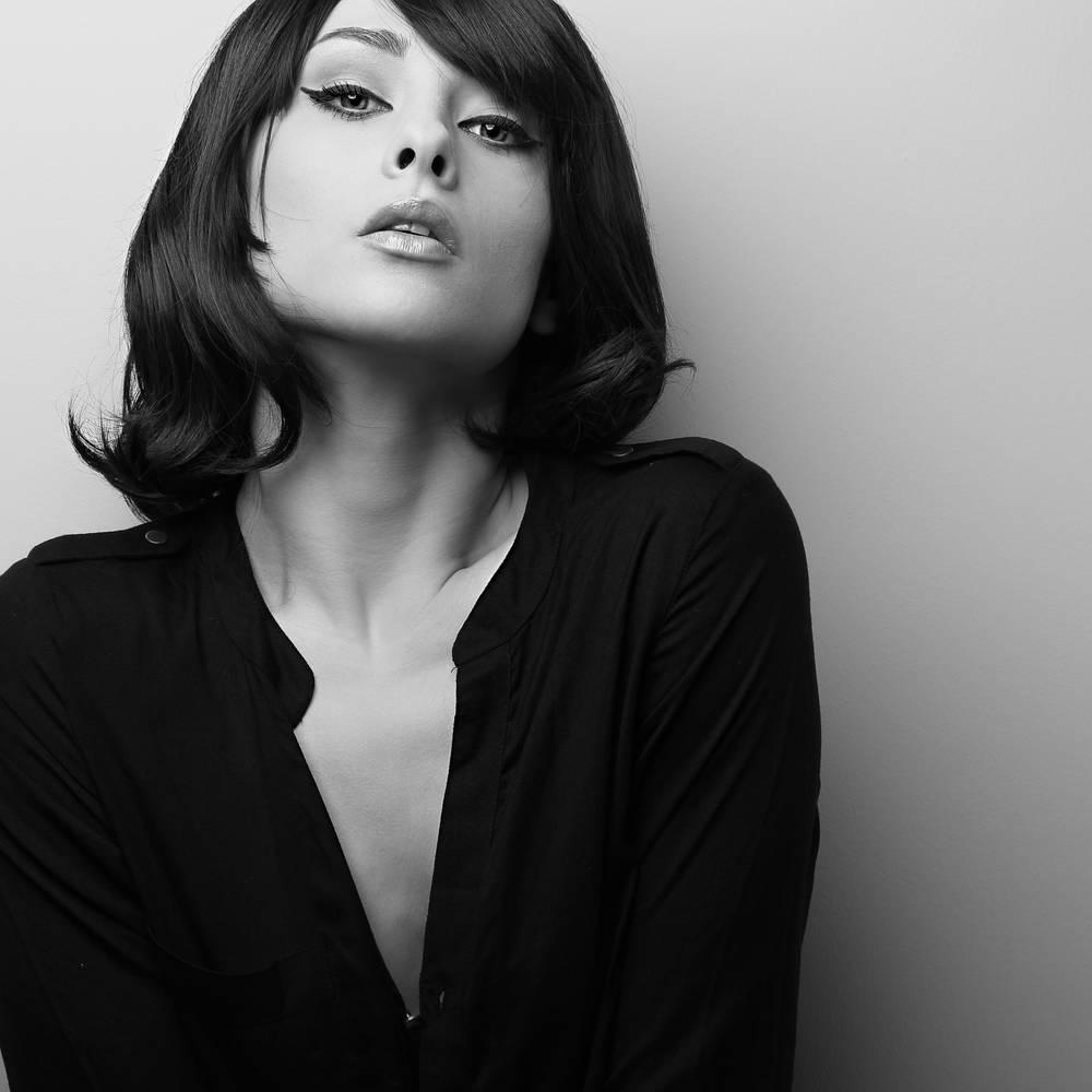 诱惑,女模特,短发,黑白图片图片