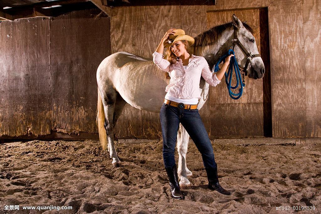 人与马的色情_肖像,年轻,女牛仔,白人,马,厩