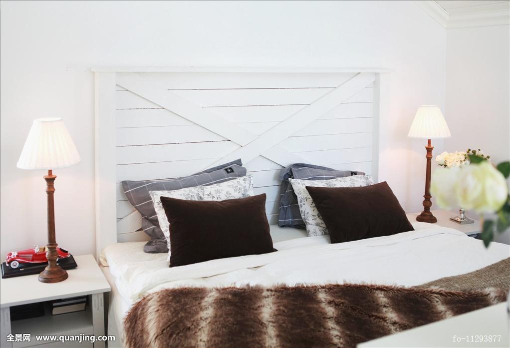 双人床,床头板,木板,简单,灯图片