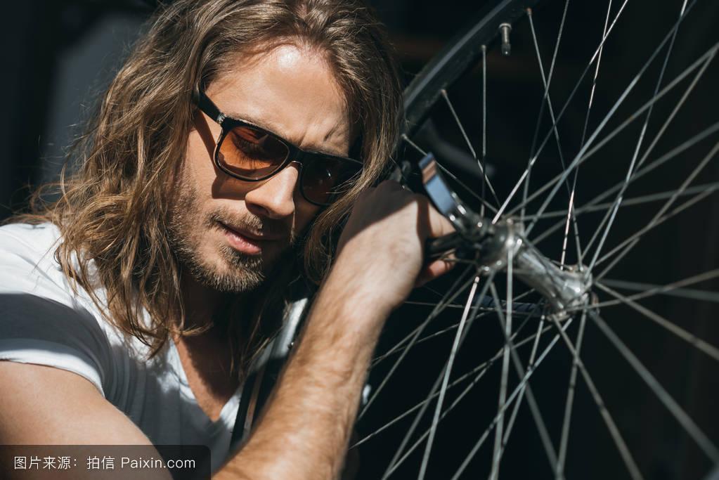 长头发,男性的,单独地,欧洲的,时尚的,自行车,赶时髦的人,20-30年图片