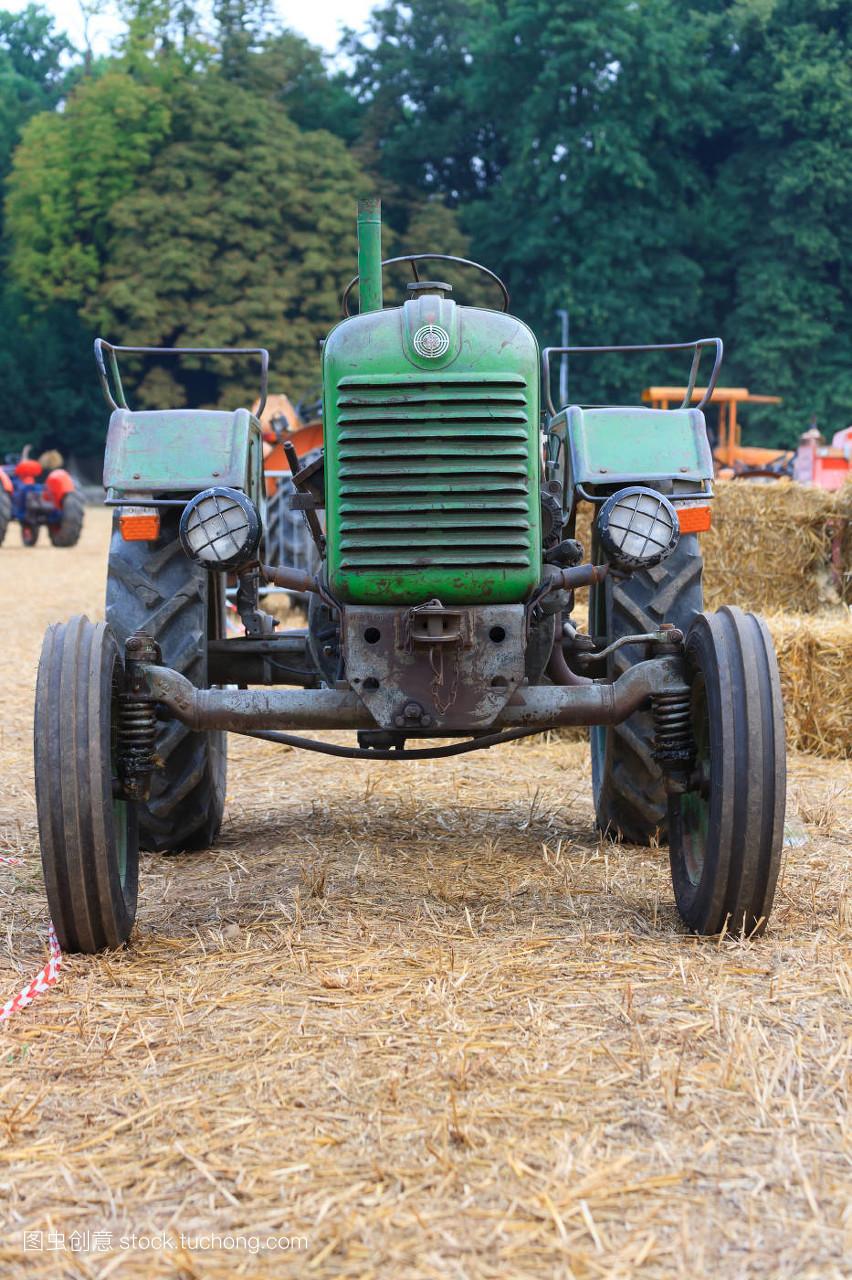轮子,驾驶,马达,农业,农活,钢铁,技工,生锈,耳朵,种植,拖拉机,柴油机图片