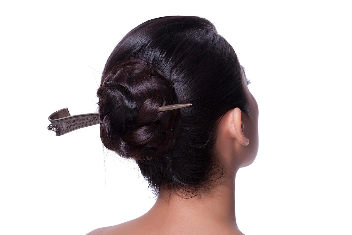 年轻女人发型图片