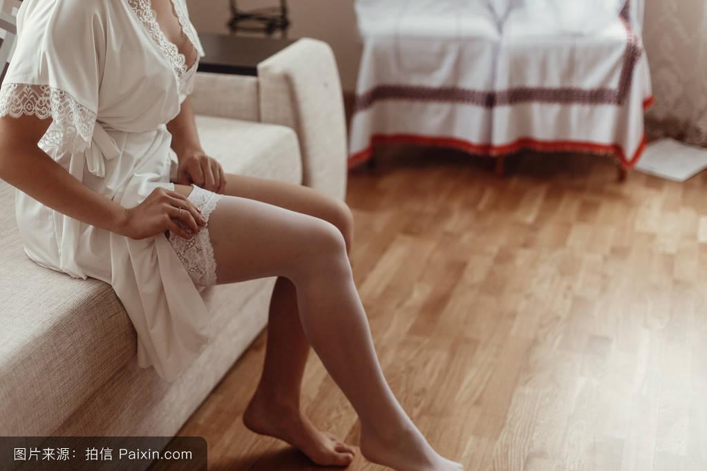 性欲��h�_新娘穿长袜