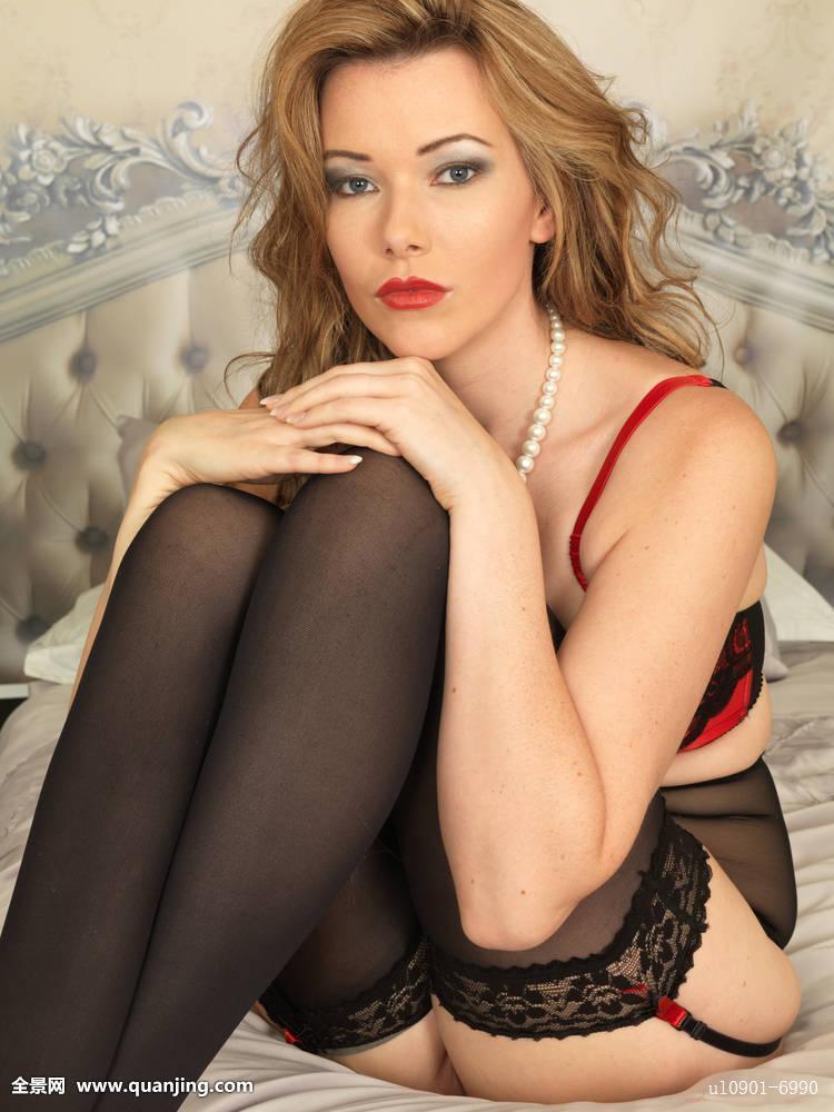 三级裸体模特照片_美女,年轻,性感女郎,模特,姿势,床