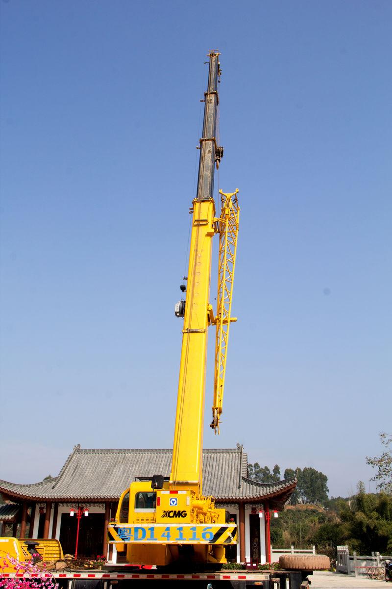 机械吊臂,液压吊臂,工程车,吊吊车,塔吊车,建设工地,起重施工,城市图片