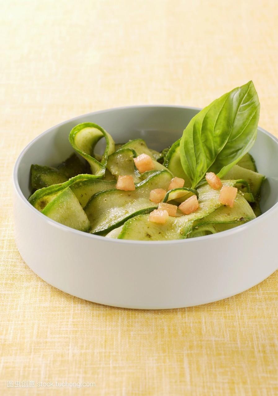 准备,黄瓜片,腌制,盘子,就绪,黄瓜,素菜,南瓜,美味,大量,妥当,沙拉图片