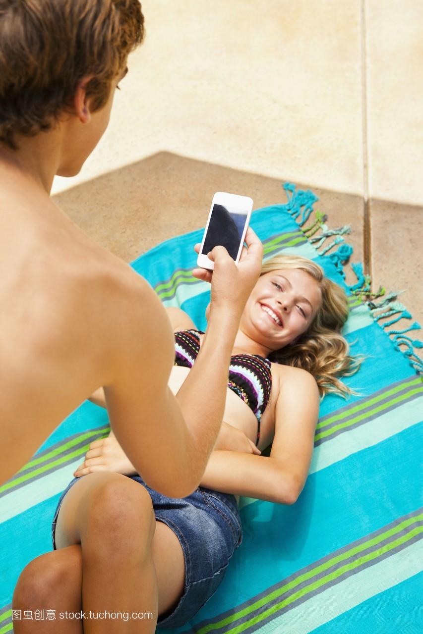 女裸野摸_沟通,两者之间,裸的,一起,图片,服饰,两个,孩子,胸部,多彩,爱,女孩