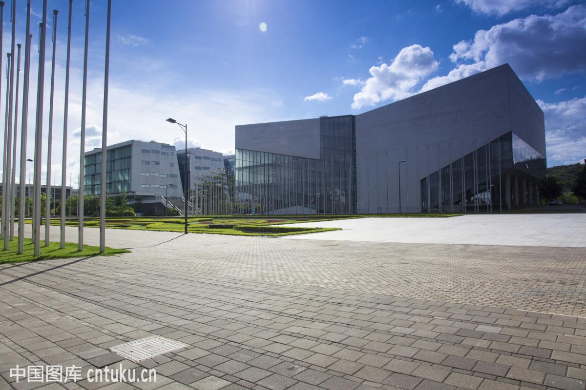 中国广东深圳龙岗区深圳信息职业技术学院校园风光图片