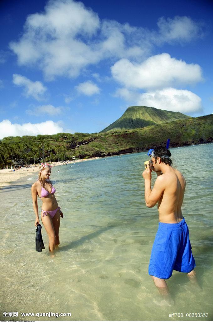 30-40岁,35-40岁,30多岁,恐龙湾,阳光,晴朗,姿势,丈夫,记忆,金发,拍照图片