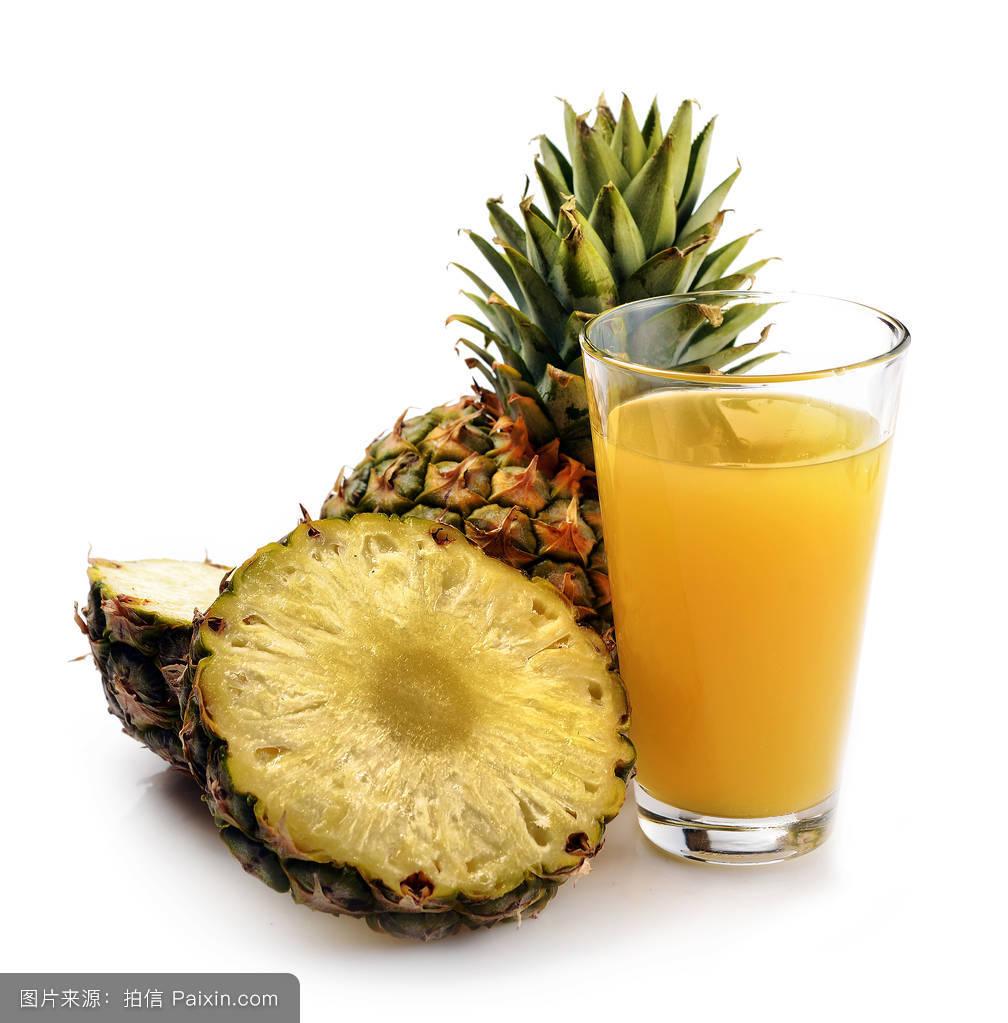 pineapplefruitandaglassofpineapplejuice