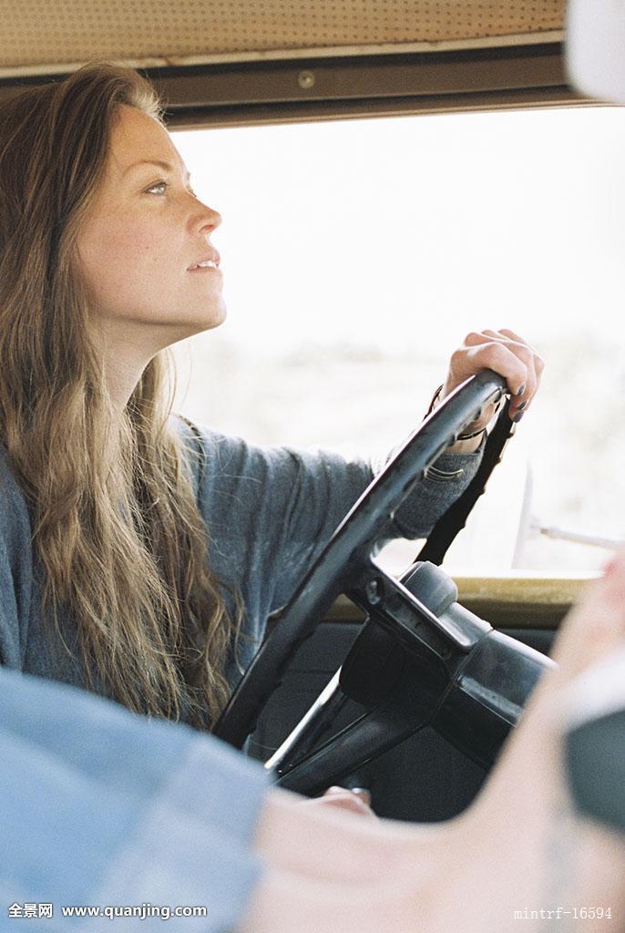 赤足,女人,休息,脚,仪表板,四驱车,纹身,右边,驾驶图片