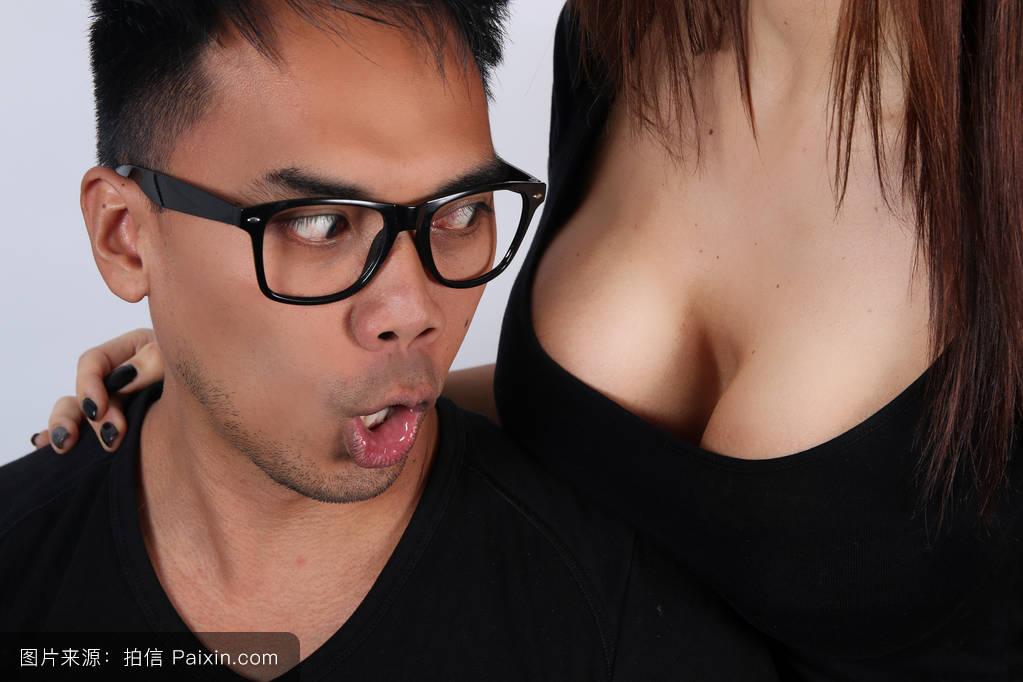 天天好逼网舔摸揉吻射_男人舔女人乳房图片