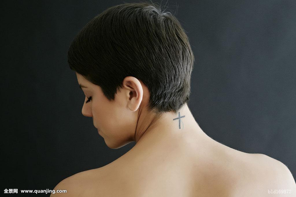 黑白短发纹身分享展示图片图片