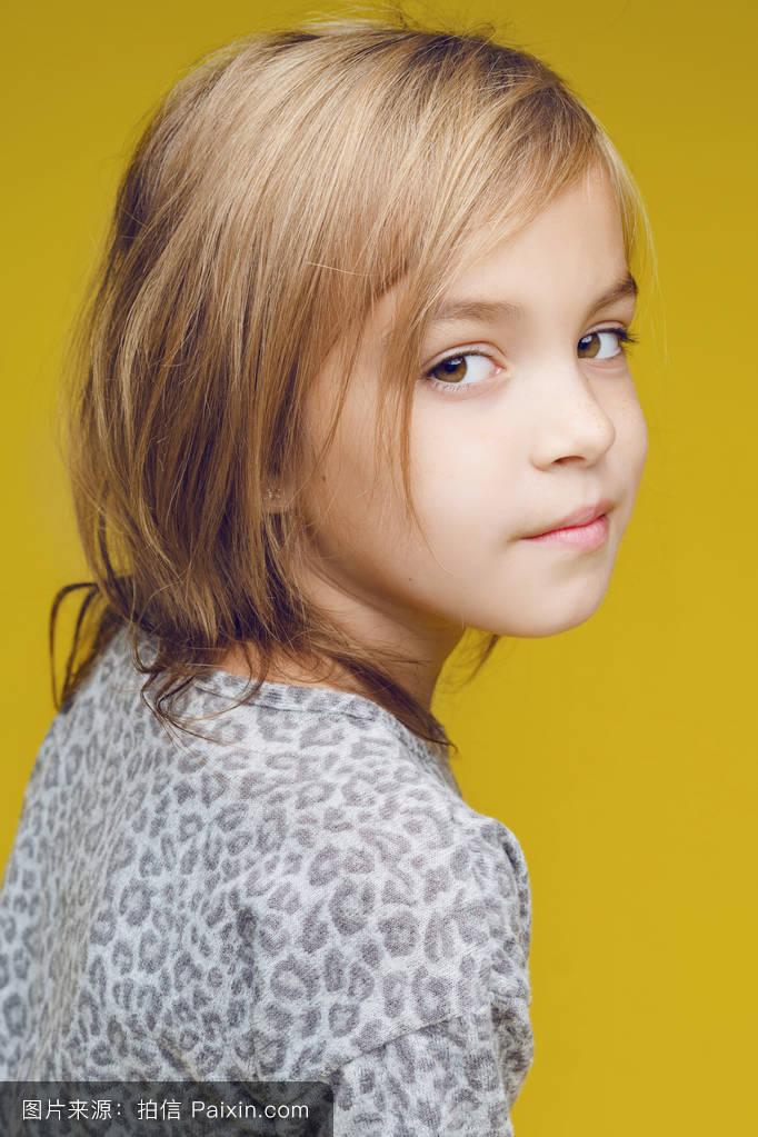 可爱极了,童年,幸福的,母性,工作室,美丽的,女孩,时尚,小孩,头发图片