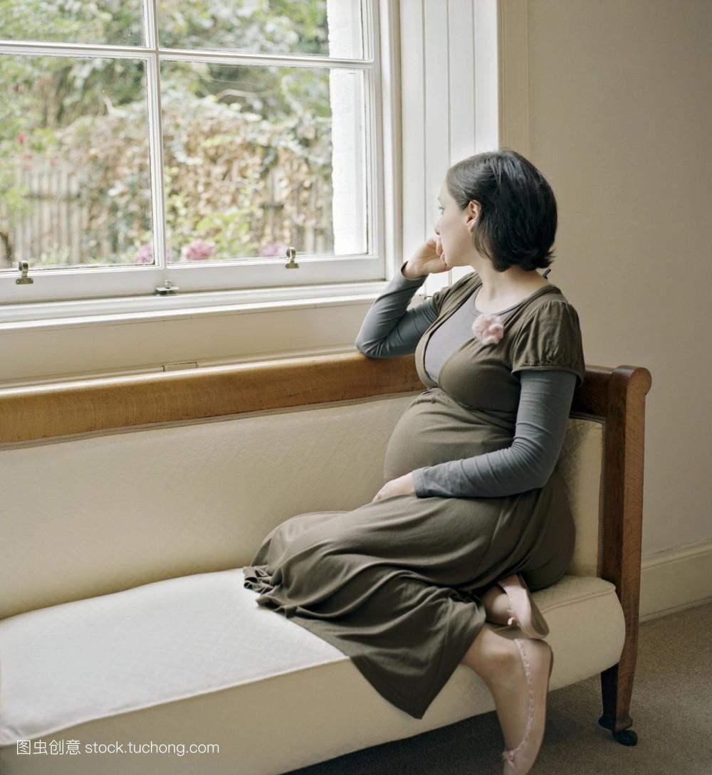 狠狠撸夜夜撸千百撸网址同学的妈妈寂寞难耐女女.