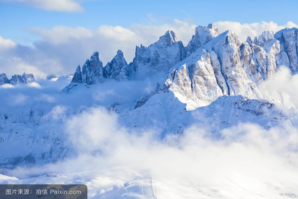 山���!�-��.�9`a�f-:##_看法,蓝色,景观,山,雪,白云岩,岩石,意大利,云,旅游,孤独,阿尔卑斯