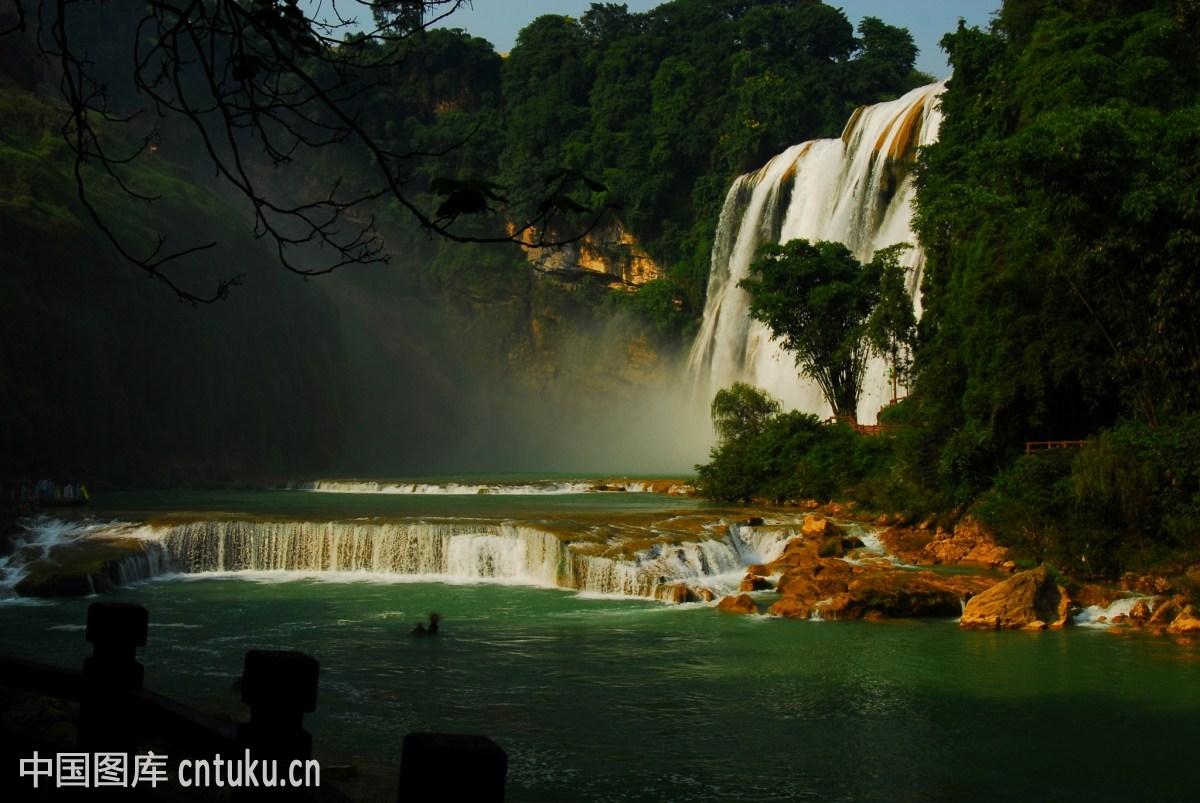 贵州安顺黄果树瀑布图片