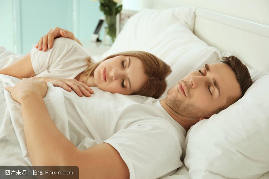 梦见和自己孩子睡在一起了