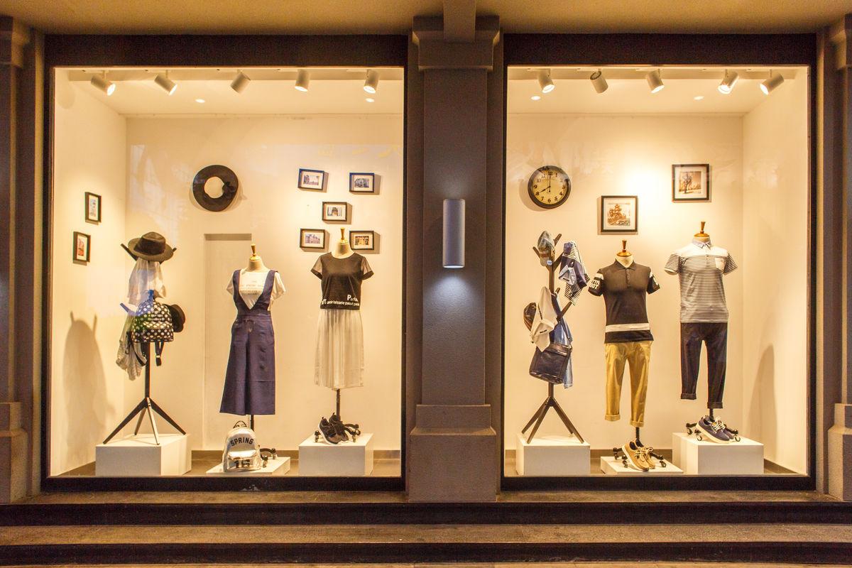 橱窗展示,橱窗广告,时装展示,商铺装饰,陈列设计,玻璃橱窗,服装店图片