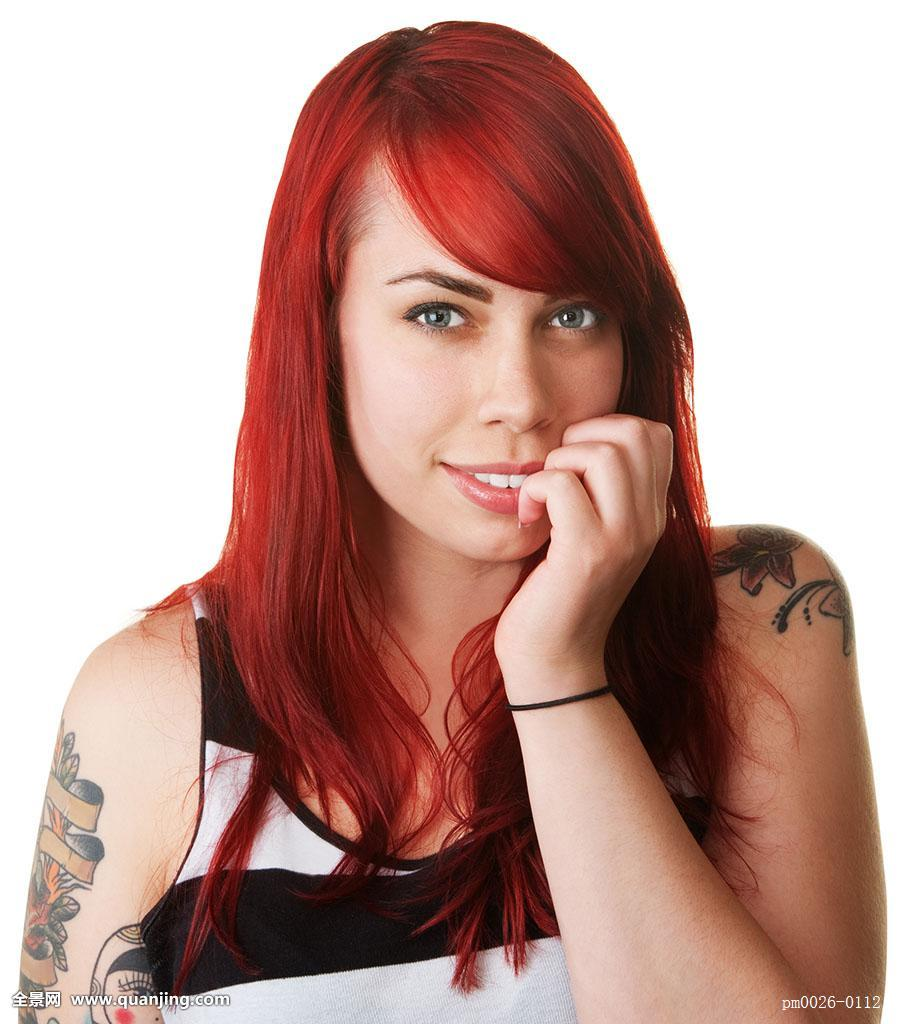下巴有纹身的女明星分享展示图片
