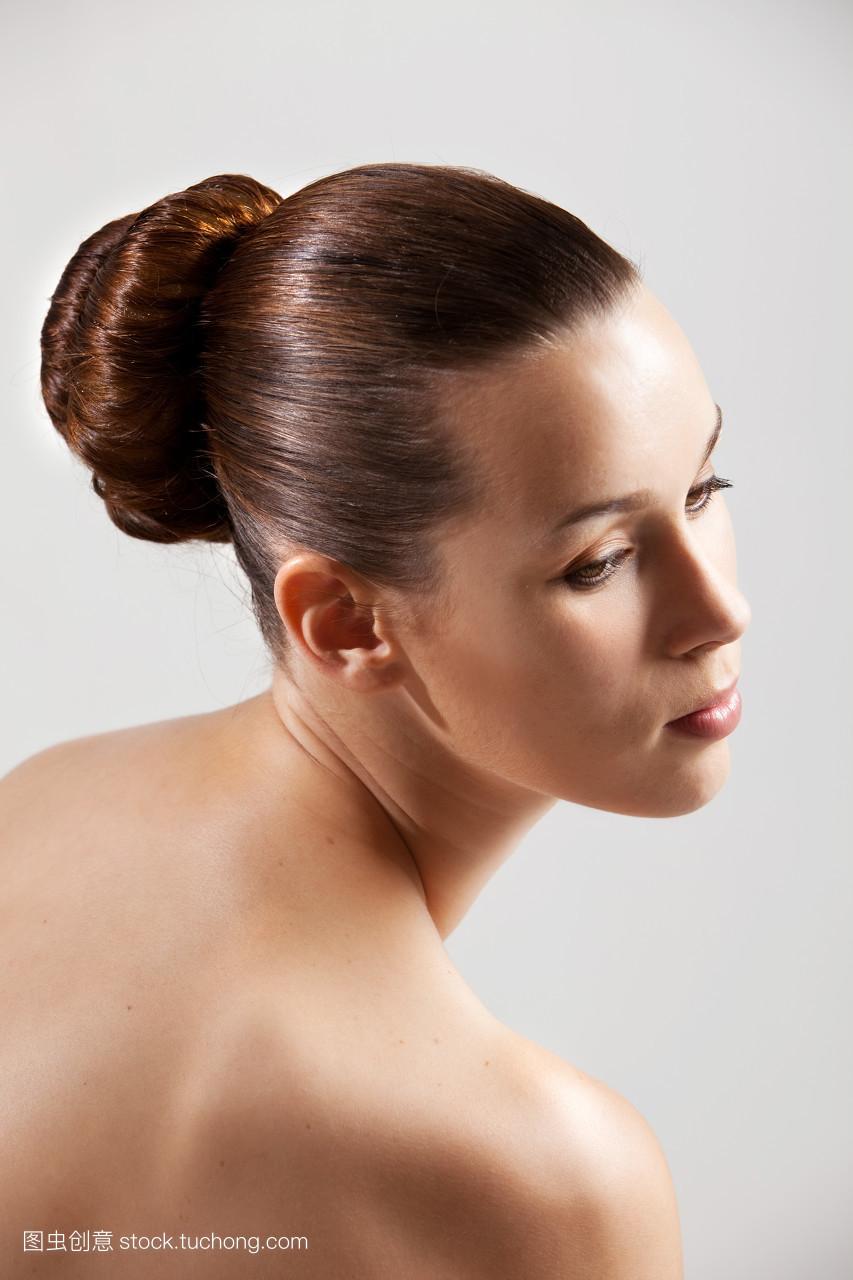 新娘盘发发型 中长发韩式盘发图图片