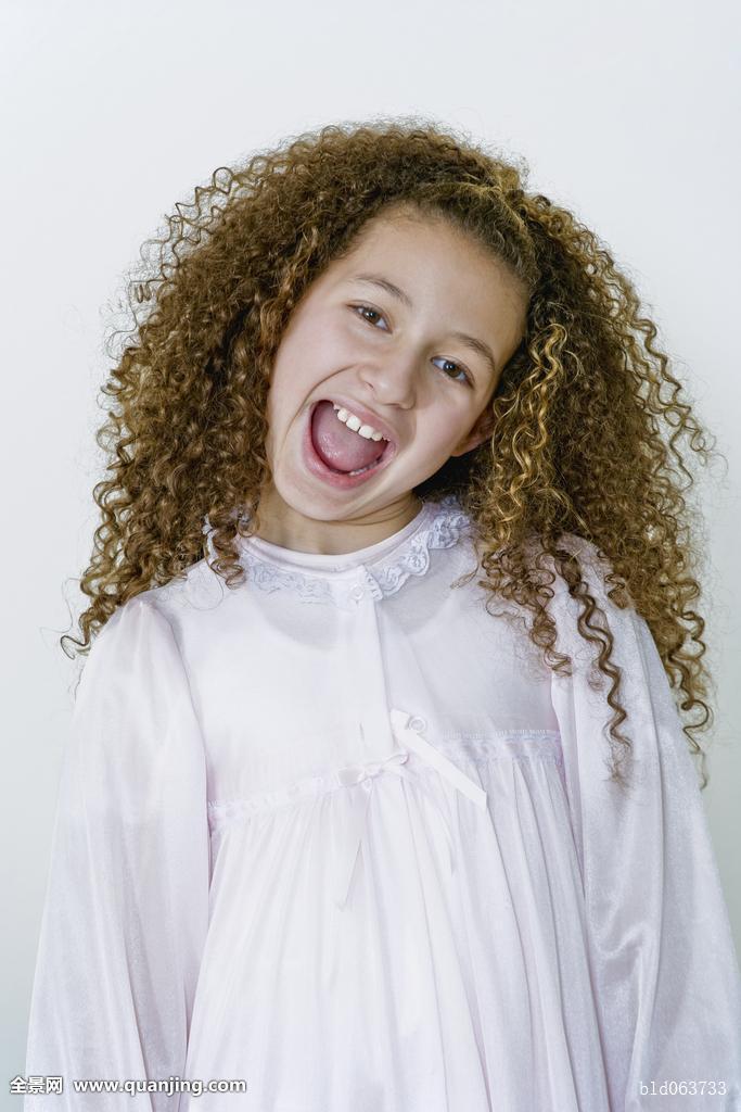 10-11岁,非洲人,就寝时间,白人,孩子,彩色照片,卷发,抠像,兴奋,正面图片