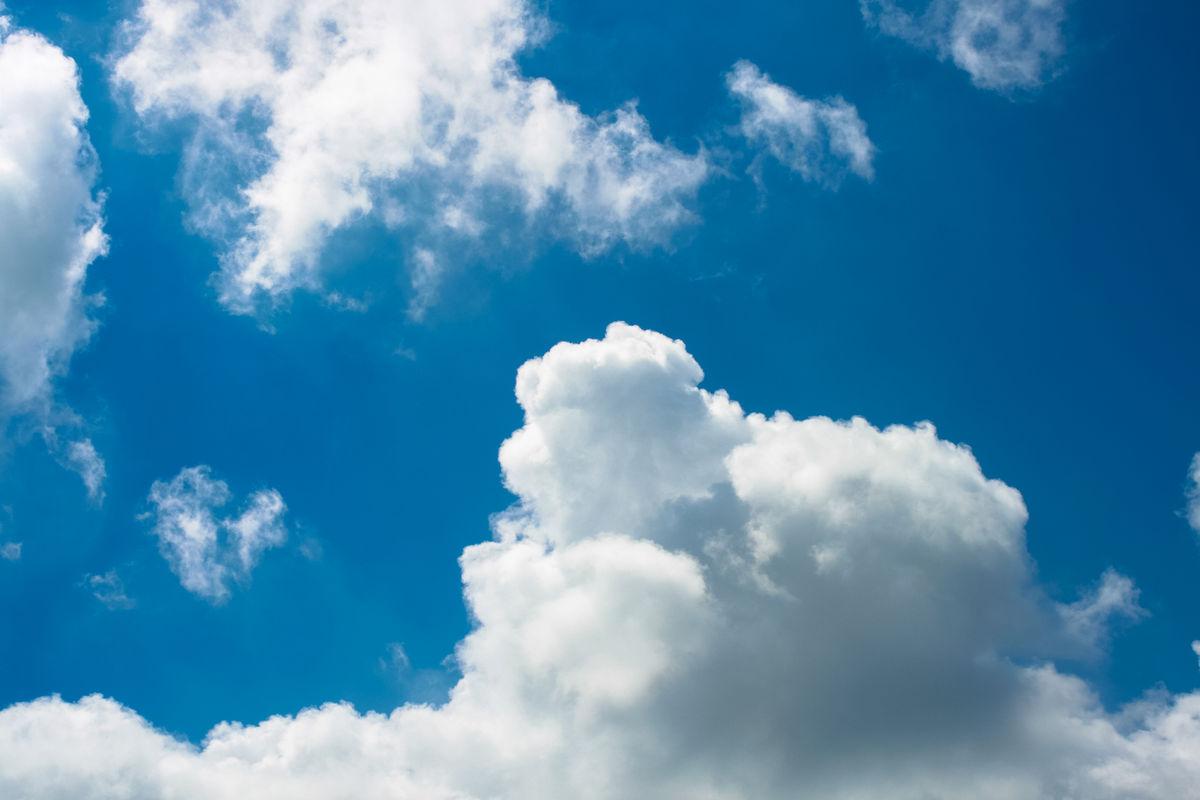 云,云朵,云霞,云彩,光,彩光,天空,蓝天白云,仰望图片