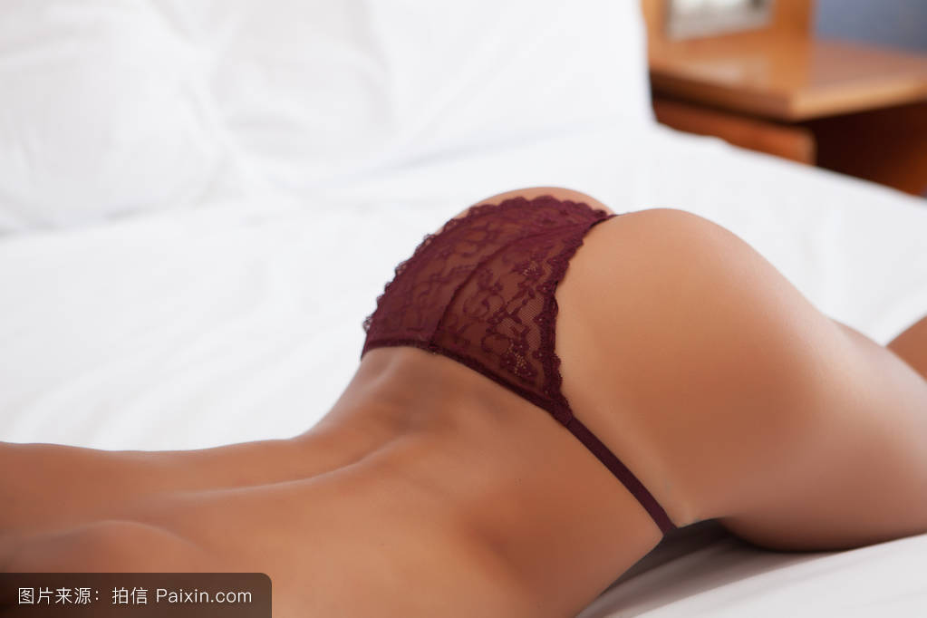 美女屁股中间的图片