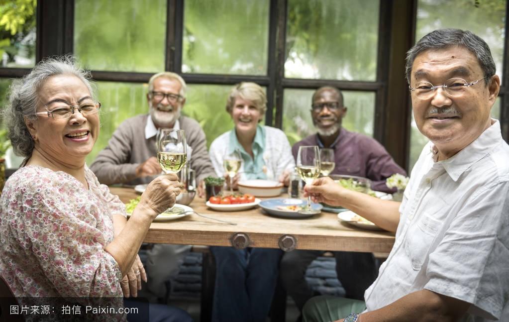 养老�zfjzh��anX��k9_令人愉快的,朋友,社交,满足了,娱乐,闲暇,老人,随便的,领养老金的人