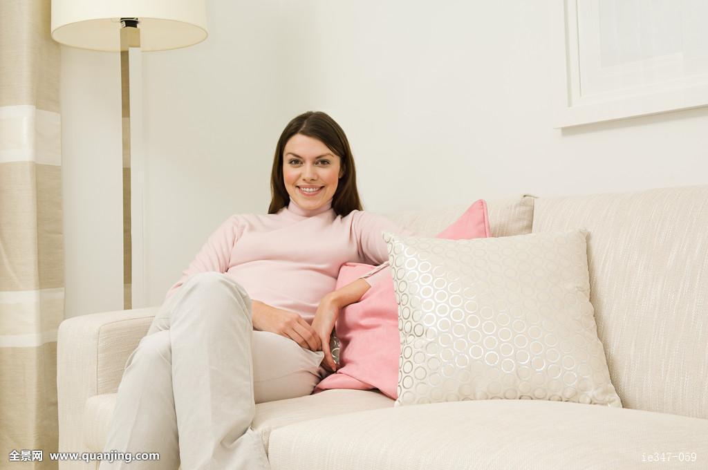 发色高兴等级家室内房子住房室内装饰室内设计女士灯客厅