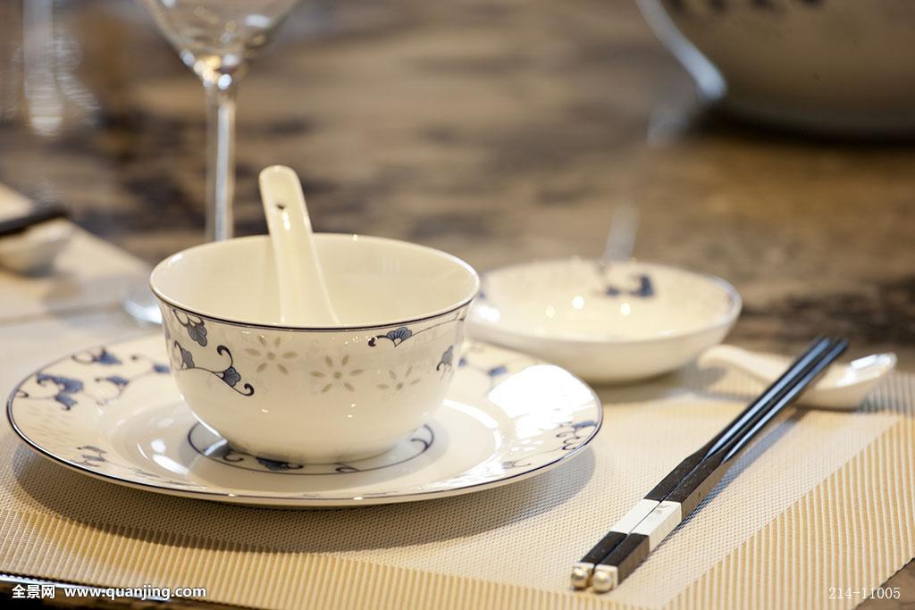 碗,盘,筷子,细瓷,高档,精美,餐位,准备,静物,无人,酒店,高级中餐厅图片