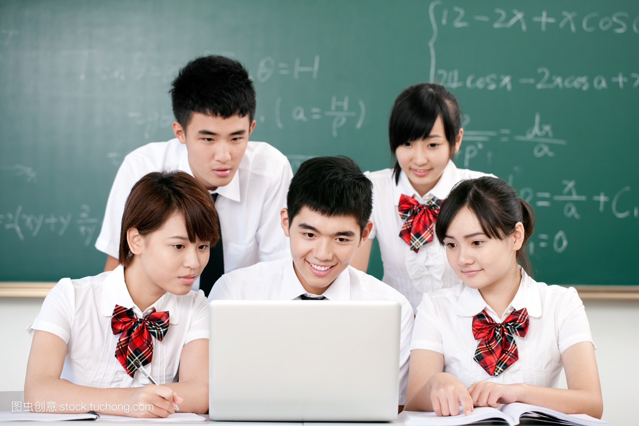高中�yo�z+���_高中学生的团队合作