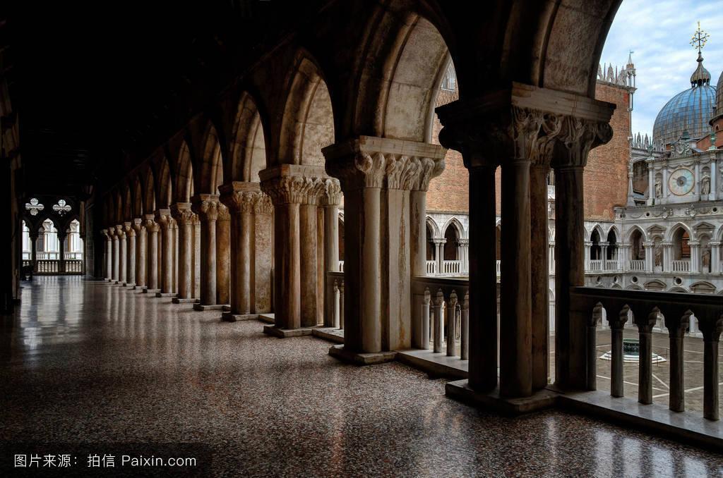 美女,旅行,宫殿,地板,庭院,哥特式,意大利,柱,装饰,雕塑,大理石,柱子图片