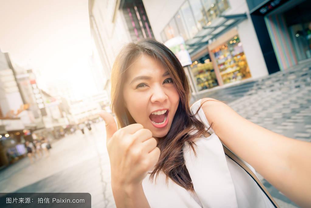 亚州女人�9�'�od9o9f�x�_亚洲女人采取selfie
