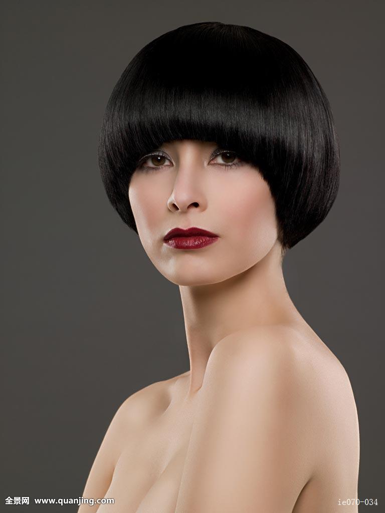 成年,背景色,黑发,眼影,看镜头,发型,看,只有一个年轻女人,肖像,乐观图片