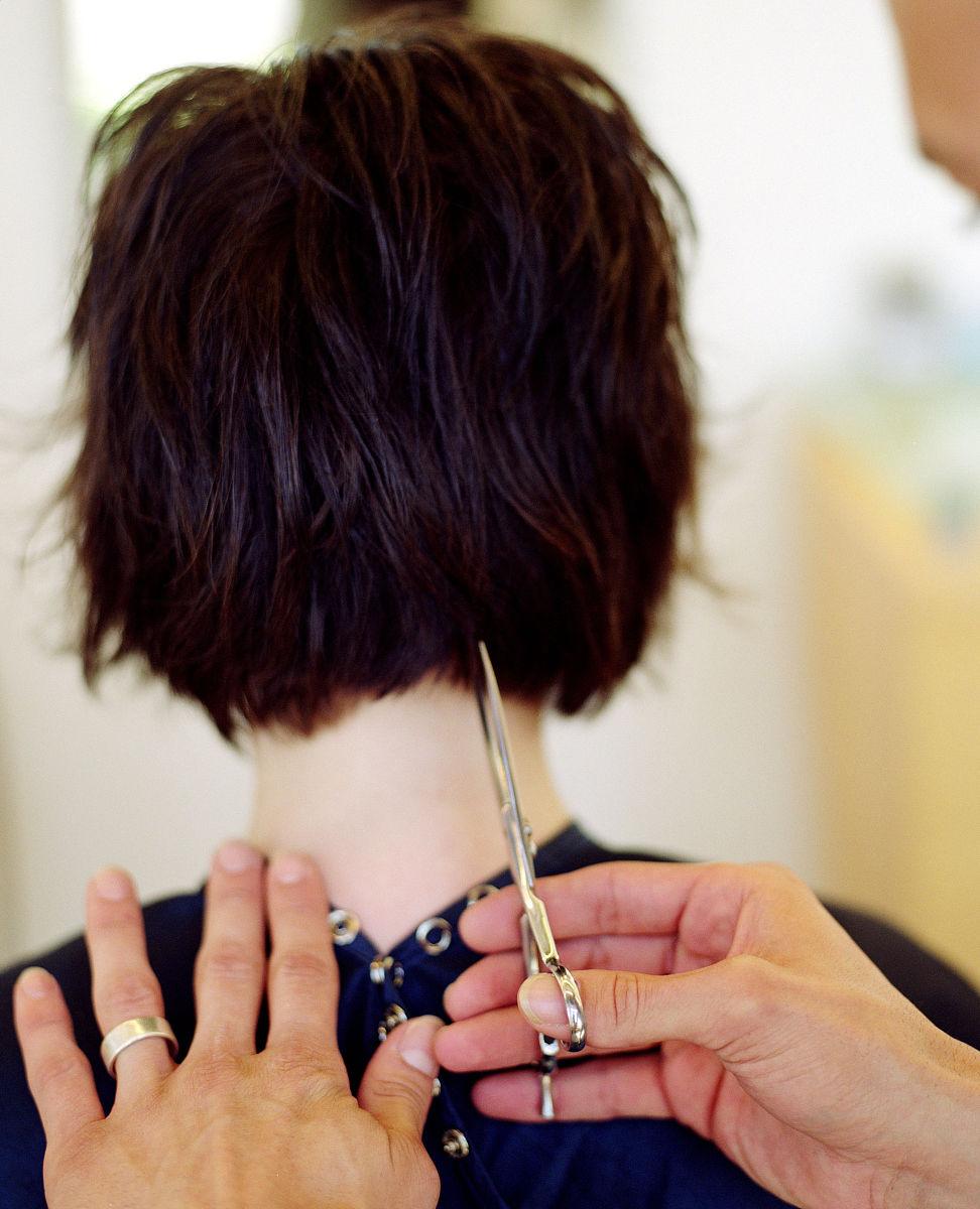 中国女生半剃头发型 怪异发型图片