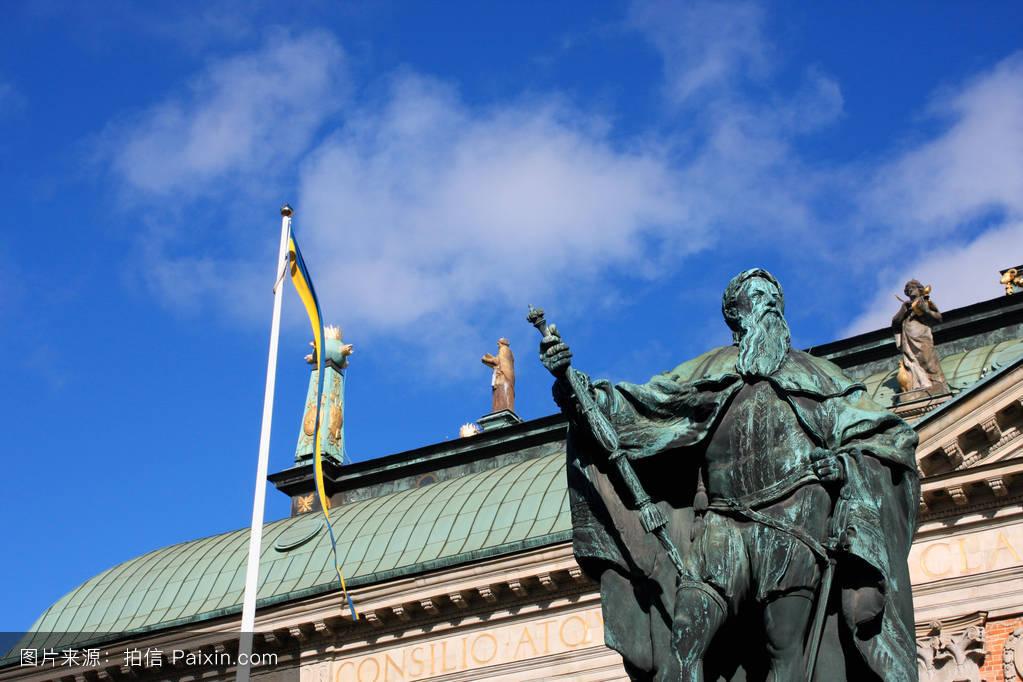 �yf�yc%�i��d�_iddarhuset gustavo erici雕像(住�%