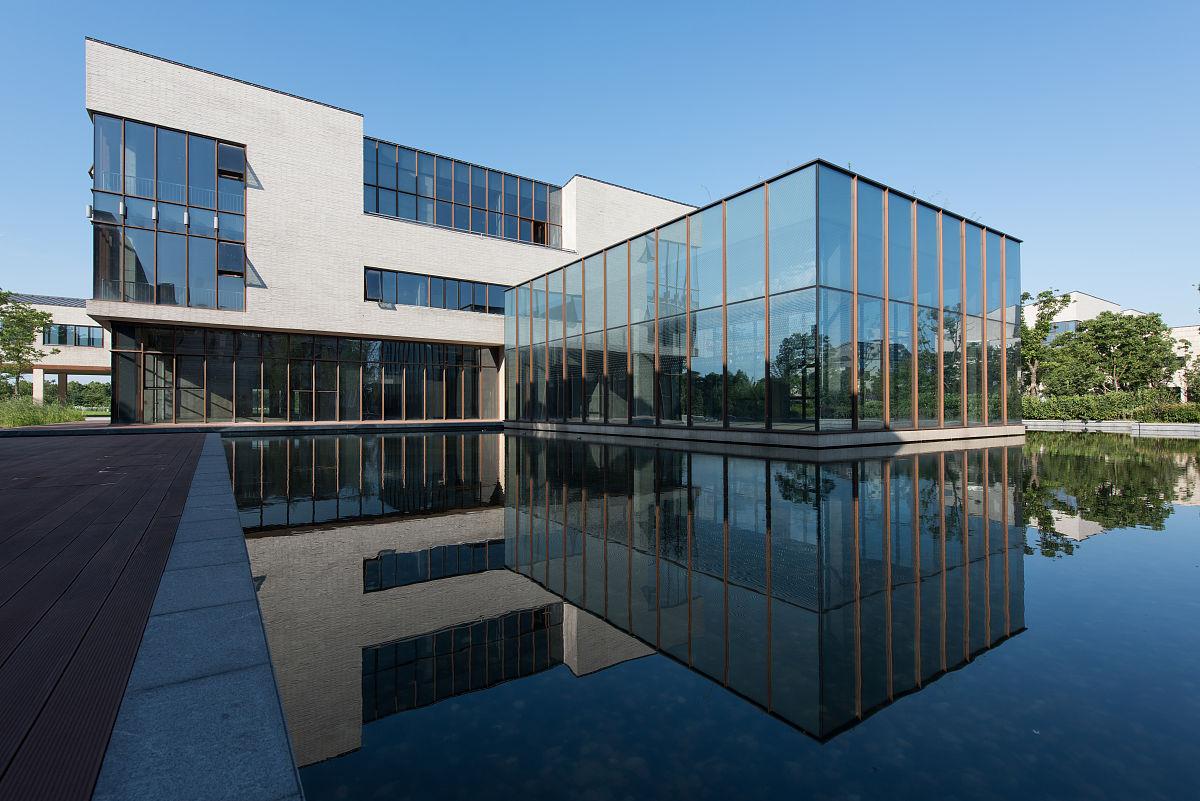现代别墅-现代简约别墅设计-超现代简约别墅外观-现代别墅外观效果图图片