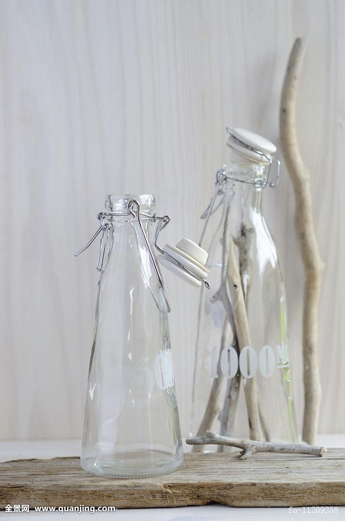瓶子,枝条,留白,创意,装潢,装饰,两个,玻璃瓶,概念,室内,室内图片,内图片