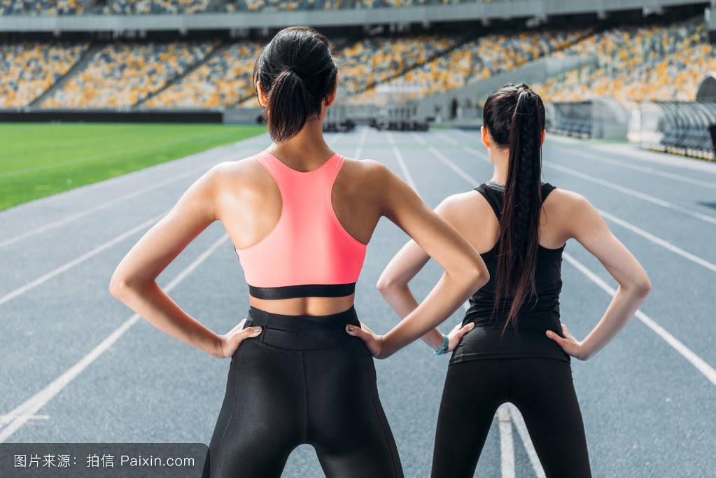非洲肌肉女_女人,工作了,生活方式,健身,城市的,慢跑,跑步者,活动,健康的,非洲裔