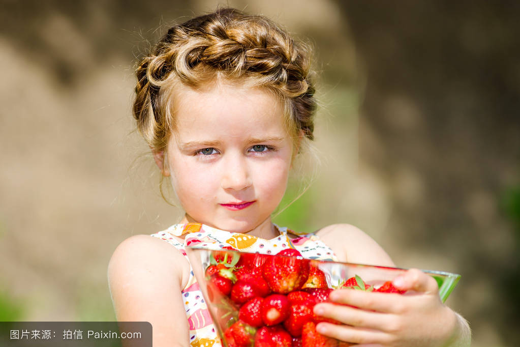 白色,健康,农场,发型,吃,甜的,尾巴毛,头饰,队列,食物,女孩,小孩,儿童图片
