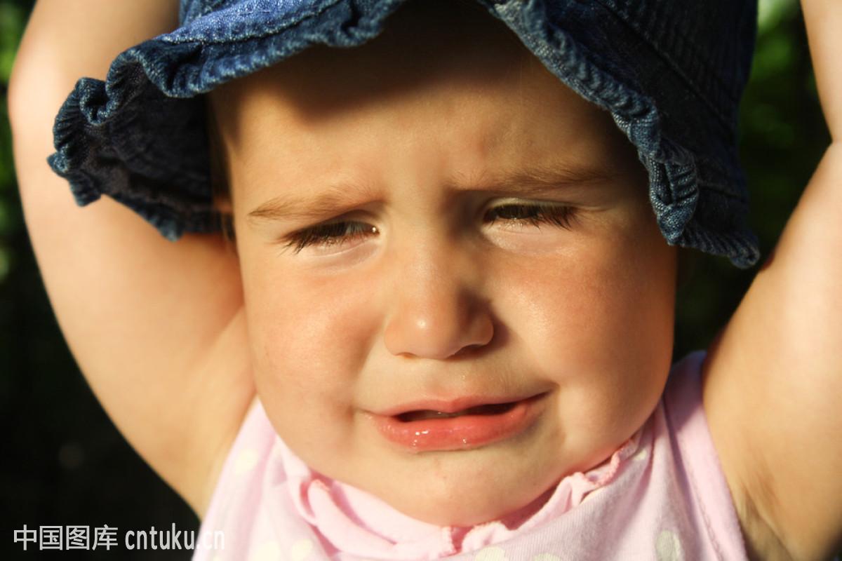 痛苦,肖像,压力,眼泪,婴儿,在上面,眼睛,微笑,哭,生病,杂乱,儿童,表情图片