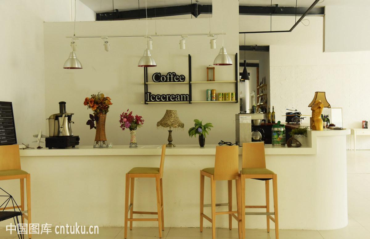 城市家庭室内养殖项目图片
